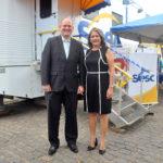 O chefe de Odontologia do Sesc Wladmir Lucena e a prefeita Isabel Cristina Araújo Hacker