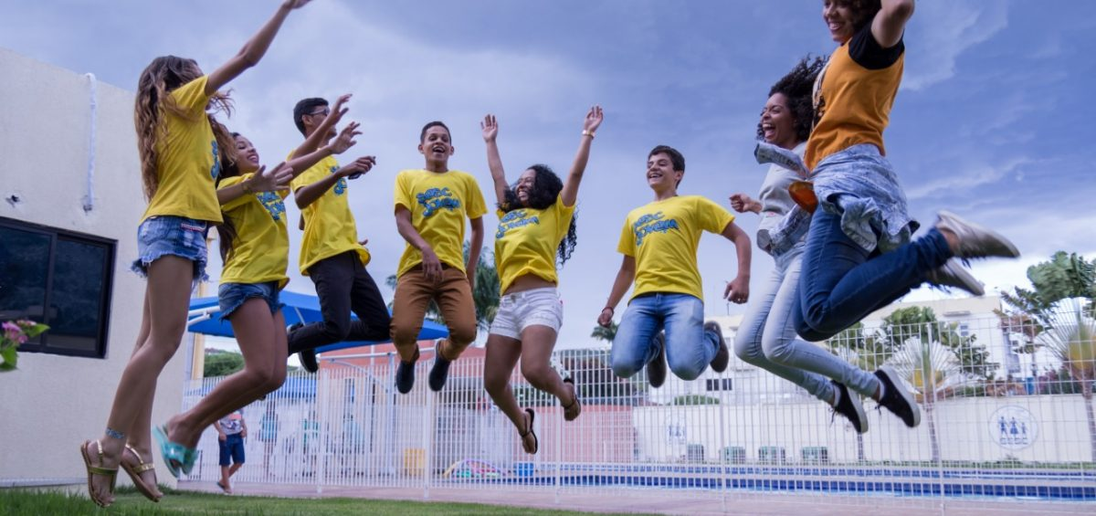 Jovens - Foto AD Fotos